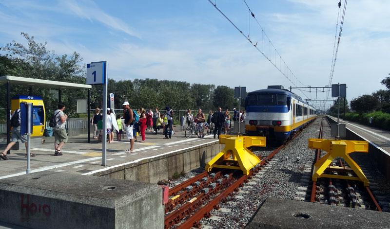 metro naar hoek van holland strand